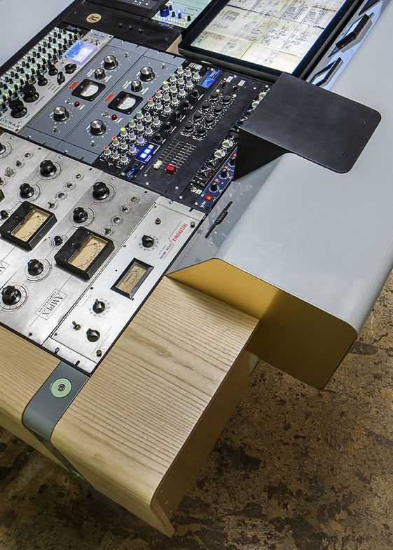 The Motherbrain Mixing Console