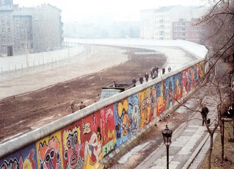 Thierry Noir's Berlin Wall