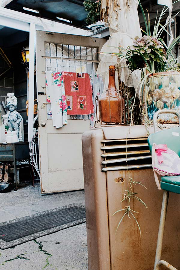 How to Find Antique Treasures Anywhere