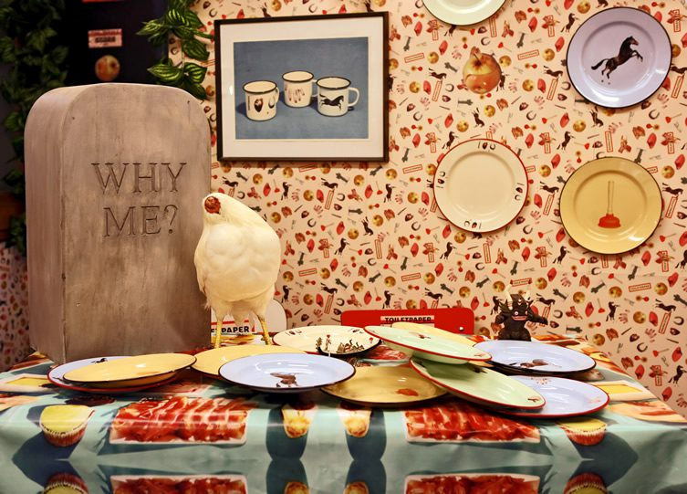 Toilet Paper Seletti : Seletti wears toiletpaper at milan design week
