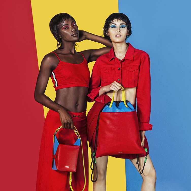 Le Morne Lunch Box Crossbody Handbag by Jeff Wan is Winner in Fashion and Travel Accessories Design Category, 2018 - 2019.