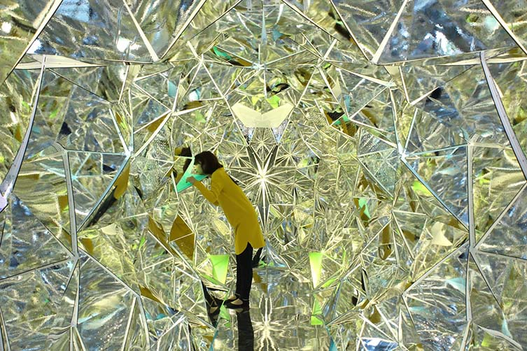 Light Origami Art Installation by Kaz Shirane is Winner in Arts, Crafts and Ready-Made Design Category, 2015 – 2016.