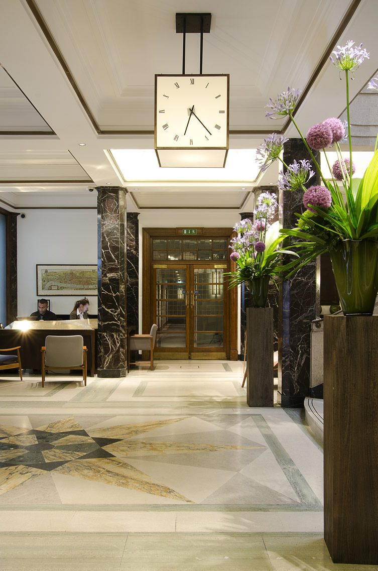 Town hall hotel bethnal green london for Green hotel design