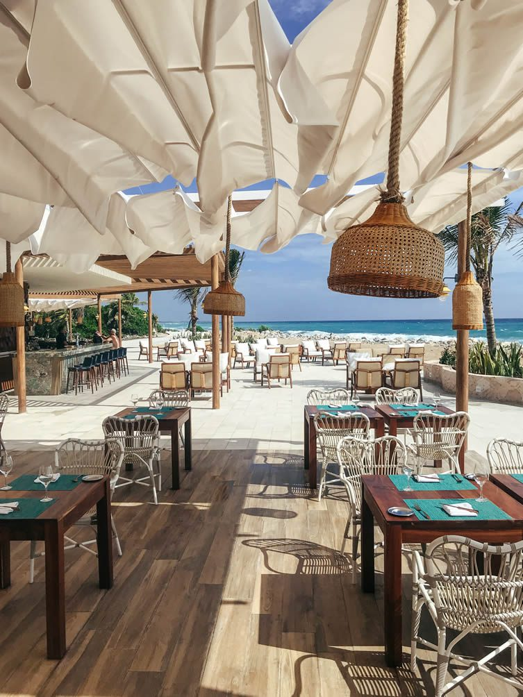 Stylish bar-restaurant, Helios, follows the trail of the famous beach clubs of Ibiza, serving up authentic Mediterranean cuisine beside the crashing waves of the Caribbean