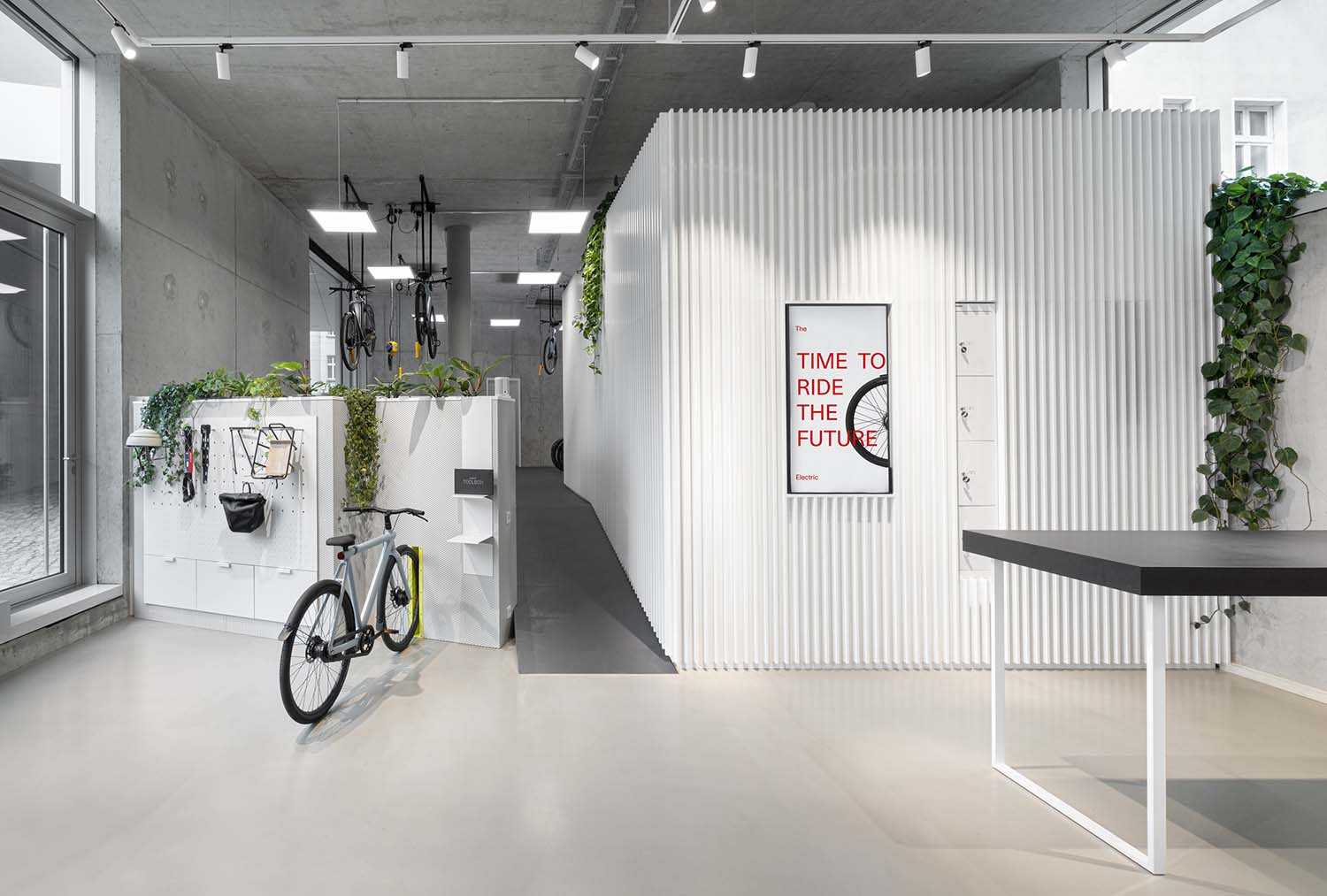 Vanmoof Berlin, Torstraße Bike Shop Designed by Ninetynine