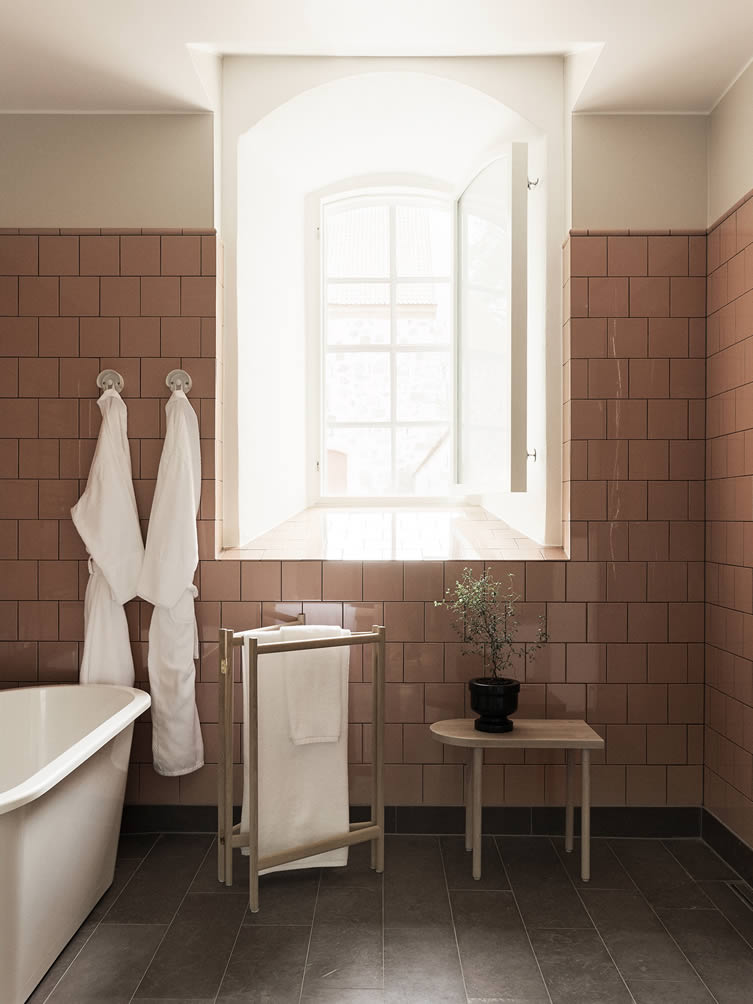 Wanås Hotel baths by Ifö and specially designed furniture by Christian Halleröd Design.