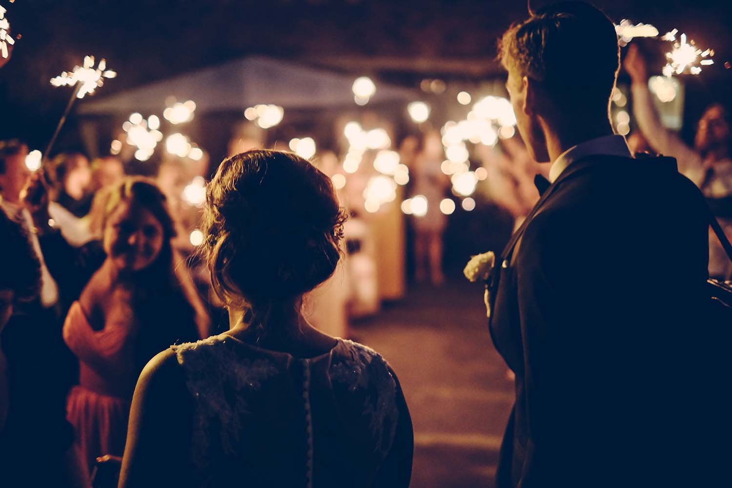 Budgeting for Your Big Day: How to Create a Wedding Budget and Checklist Much Better Than a Wedding Allowance Calculator Alone