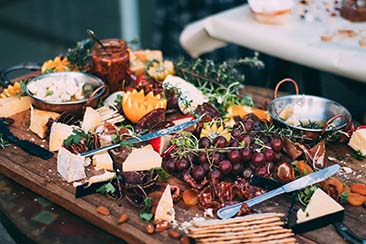 15 Finger Food Ideas for a Wedding